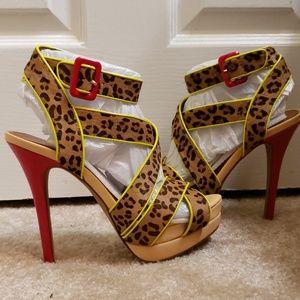 Jessica Simpson platform sandals 😍😍